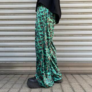 即完売品!Leopard pattern green pants
