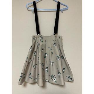 ティティアンドコー(titty&co)のtitty&co サスペンダー付き花柄スカート(ミニスカート)