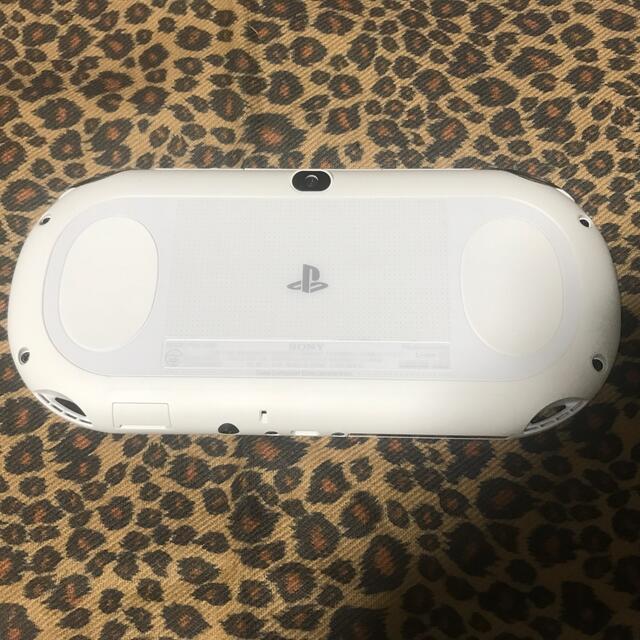 PlayStation Vita(プレイステーションヴィータ)のSONY PlayStationVITA 本体  PCH-2000 ZA12 エンタメ/ホビーのゲームソフト/ゲーム機本体(携帯用ゲーム機本体)の商品写真