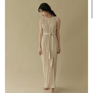 ノーブル(Noble)のL'or ロル belted pleats dress(ロングワンピース/マキシワンピース)