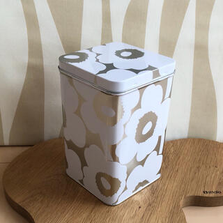 マリメッコ(marimekko)の新品 marimekko TIN BOX マリメッコ ウニッコ ブリキ缶(収納/キッチン雑貨)
