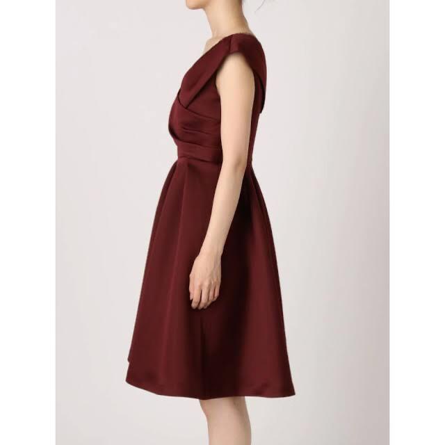MERCURYDUO(マーキュリーデュオ)のMERCURYDUO  美品 サテンカシュクールタックドレス ボルドー レディースのワンピース(ひざ丈ワンピース)の商品写真