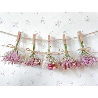 ピンクのバラとかすみ草のふんわりドライフラワーガーランド♡スワッグ♡ミニブーケ