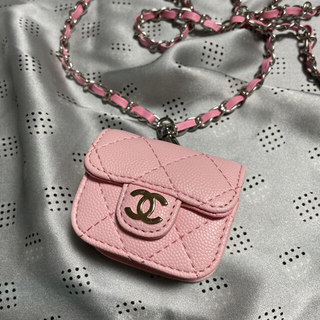 CHANEL - CHANEL AirPods pro case