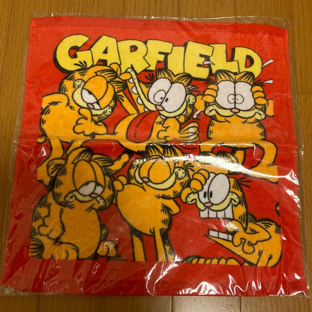 ガーフィールド 赤 ハンドタオル エンタメ/ホビーのおもちゃ/ぬいぐるみ(キャラクターグッズ)の商品写真