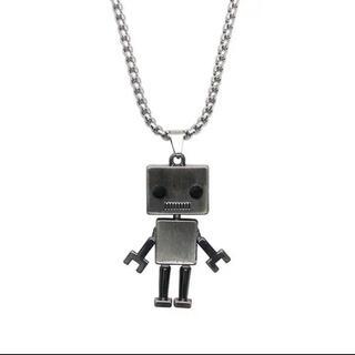 男女兼用 ロボット型ネックレス 新品 大特価 送料無料(ネックレス)