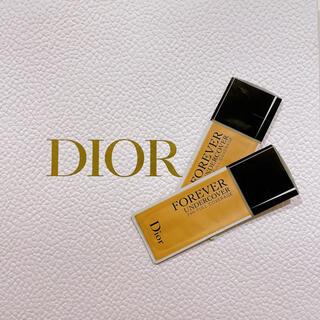 Christian Dior - 『Christian Dior』リキッドファンデーション