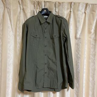 ジーユー(GU)のGUカジュアルシャツ ヘインズ  tシャツ NAVY麻混合パーカーとシャツセット(シャツ)