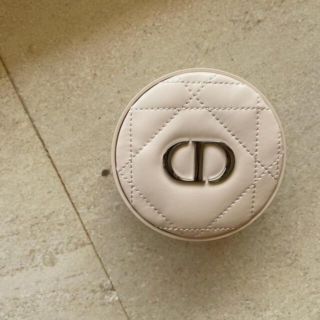 Dior(ディオール)のDior スキンフォーエバークッションパウダー コスメ/美容のベースメイク/化粧品(フェイスパウダー)の商品写真