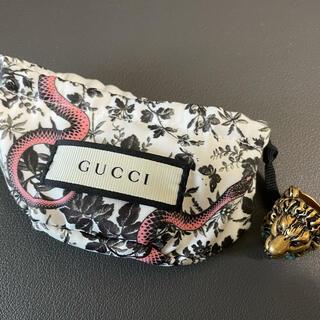グッチ(Gucci)のGUCCI ライオンヘッド リング ゴールド×サファイアブルー(リング(指輪))