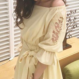 MERCURYDUO - MERCURYDUO 袖刺繍ベルト付き ワンピース