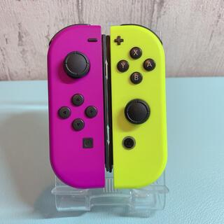 美品 人気カラー パープル イエロー Switch 左右セット ジョイコン(その他)