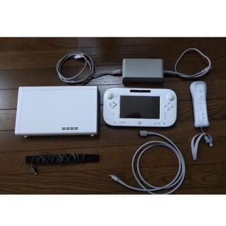 ウィーユー(Wii U)のWii U本体(家庭用ゲーム機本体)