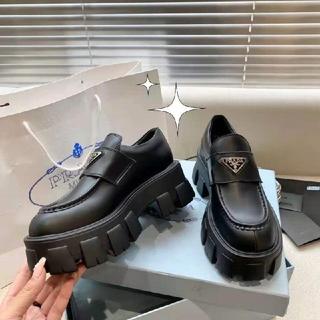 PRADA - 人気のプラダ厚底ブーツ