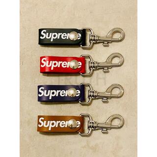 シュプリーム(Supreme)のSupreme Leather Key Loop Purple 紫 パープル新品(キーホルダー)