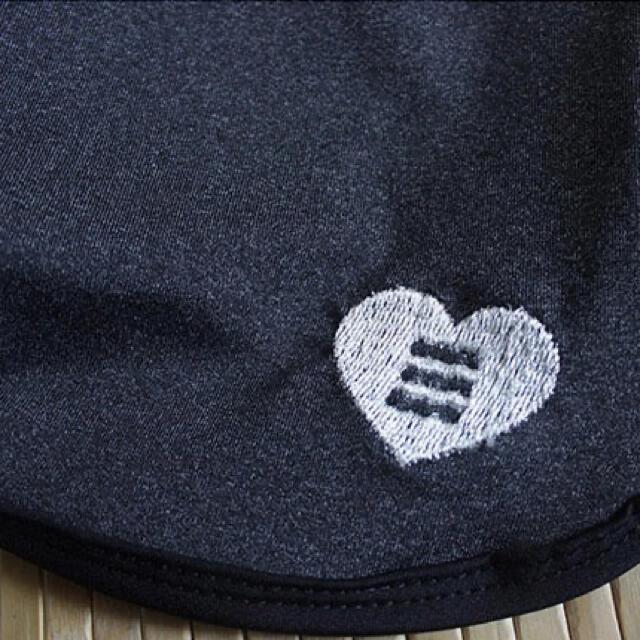 人気!ショートパンツ付きレギンス スポーツウェア Mサイズ レディースのレッグウェア(レギンス/スパッツ)の商品写真