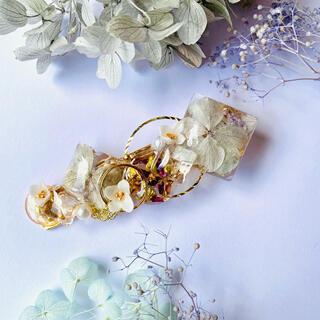 ハンドメイド 紫陽花とパールのヘアクリップ バレッタ(ヘアアクセサリー)
