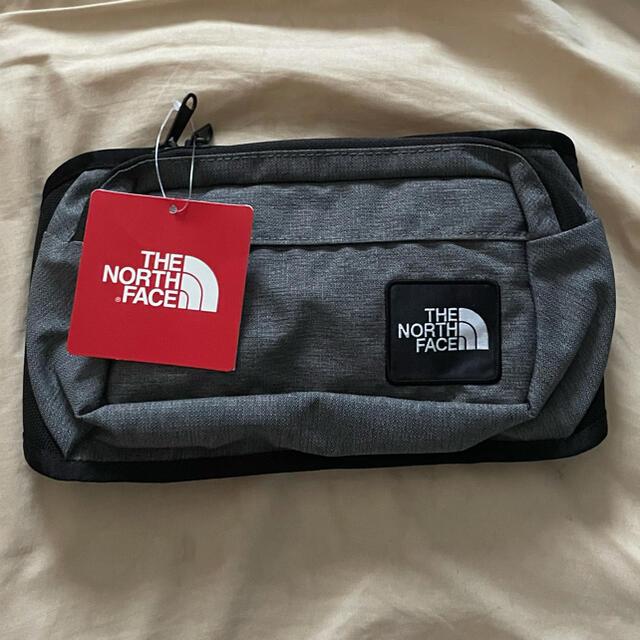 THE NORTH FACE(ザノースフェイス)の新品未使用 ノースフェイス ウエストバッグ 黒 グレー レディースのバッグ(ボディバッグ/ウエストポーチ)の商品写真