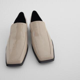 ザラ(ZARA)の新品ZARAローファースクエア ユニクロ、イエナ、シップス、ビームス、GU(ローファー/革靴)