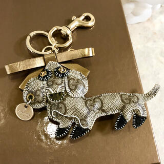 Gucci - 正規品 グッチ バッグチャーム キーホルダー ダックスフンド アルトゥ 犬 GG