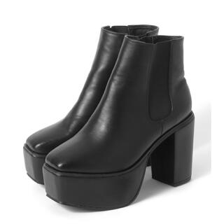 グレイル(GRL)のGRL スクエアトゥ太ヒールサイドゴアショートブーツ(ブーツ)