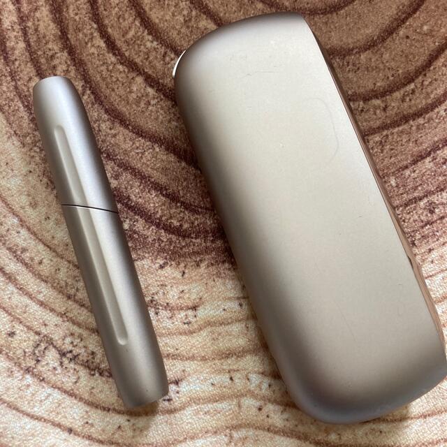 IQOS(アイコス)の美品 iqos3 duo  ゴールド メンテナンス用品未使用 メンズのファッション小物(タバコグッズ)の商品写真