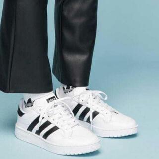 adidas - 【新品タグ付】adidas チームコート スニーカー 23cm