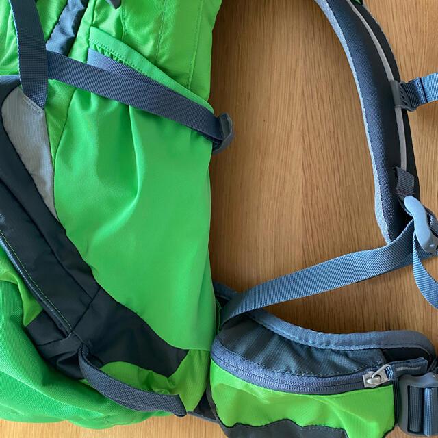 Deuter(ドイター)のDeuter Futura32 レインカバー付き スポーツ/アウトドアのアウトドア(登山用品)の商品写真