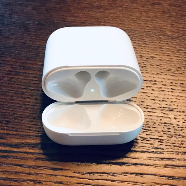 Apple(アップル)の1.アップル純正 Air pods ワイヤレスイヤホンケース A1602  スマホ/家電/カメラのオーディオ機器(ヘッドフォン/イヤフォン)の商品写真
