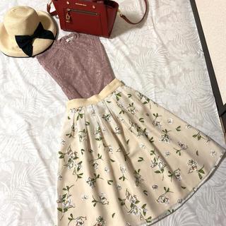 トッコ(tocco)のトッコクローゼット♡女子アナ風お花柄チュールスカート♡Mサイズ(ひざ丈スカート)