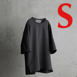 アタッチメント(ATTACHIMENT)のATTACHMENT × WYM Tシャツ ダークグレー Sサイズ(Tシャツ/カットソー(半袖/袖なし))