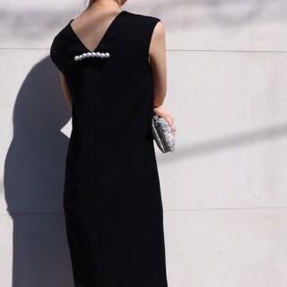 BARNEYS NEW YORK - YOKO CHAN バック パール ノースリーブ ワンピース 38 ドレス 黒