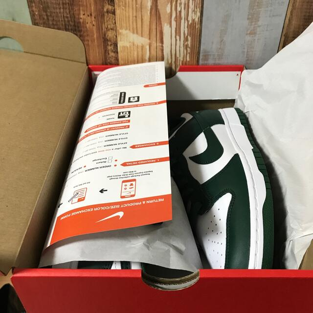 NIKE(ナイキ)のjamu様専用 DUNK LOW varsity green グリーン メンズの靴/シューズ(スニーカー)の商品写真