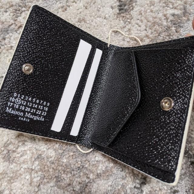 Maison Martin Margiela(マルタンマルジェラ)の完売品 メゾンマルジェラ 未使用 二つ折り財布 ホワイト レディースのファッション小物(財布)の商品写真