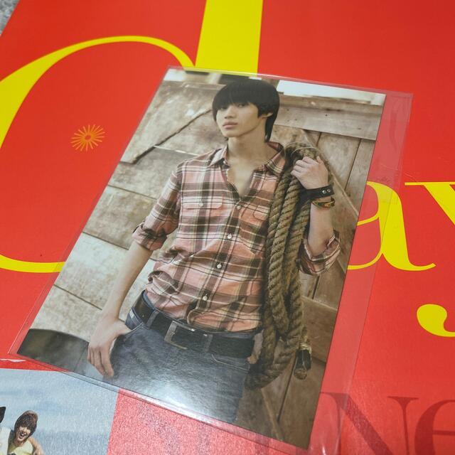 SHINee(シャイニー)のSHINee 1st写真集 day&night エンタメ/ホビーのCD(K-POP/アジア)の商品写真