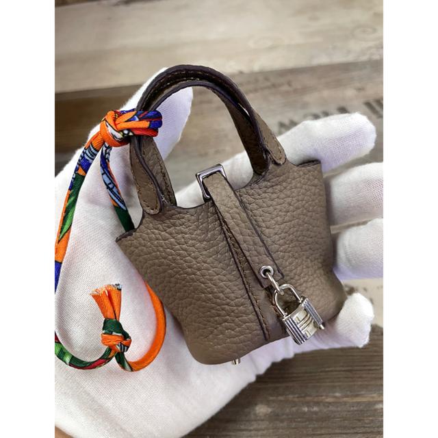 バッグチャーム ストラップ 本革 可愛い キューブバッグ型 ワインレッド ハンドメイドのファッション小物(バッグチャーム)の商品写真