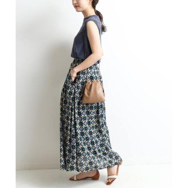 IENA SLOBE(イエナスローブ)のバティックプリントタックスカート レディースのスカート(ロングスカート)の商品写真