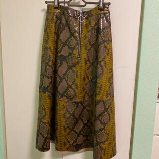 ザラ(ZARA)のパイソン柄レザースカート(ひざ丈スカート)