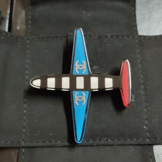 CHANEL(シャネル)のCHANEL ブローチ 飛行機 ココマーク レディースのアクセサリー(ブローチ/コサージュ)の商品写真