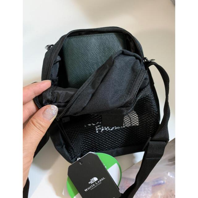 THE NORTH FACE(ザノースフェイス)のノースフェイスミニショルダーバック海外 OUTLET店舗入荷ビックプライスダウン レディースのバッグ(ショルダーバッグ)の商品写真