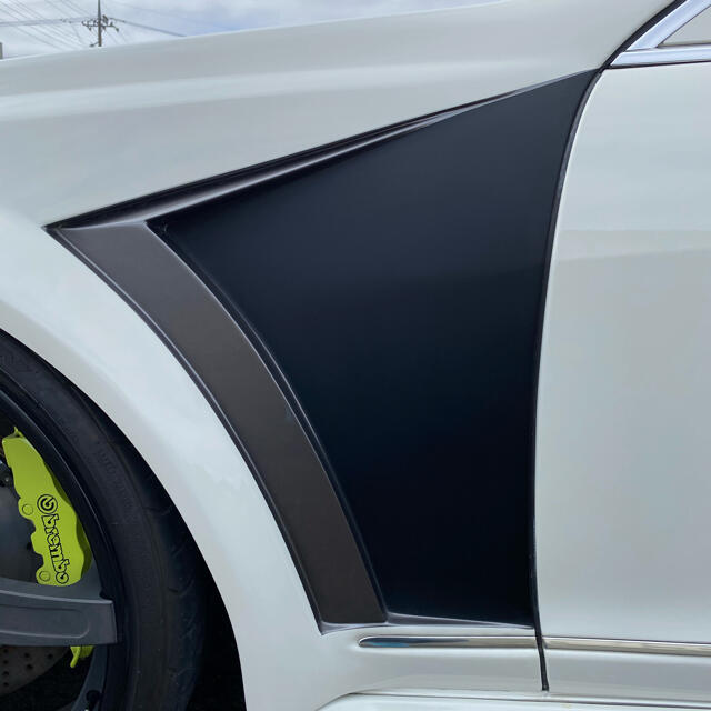 ベンツ メルセデス w221  後期仕様 ワンオフ ブレンボ ブリスター 自動車/バイクの自動車(車体)の商品写真