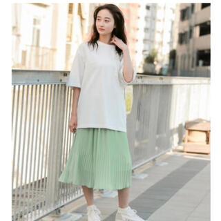 ニコアンド(niko and...)のUSAコットンロング丈UVTシャツ(オフホワイト)(Tシャツ(半袖/袖なし))