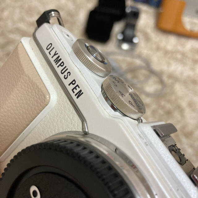 OLYMPUS(オリンパス)のOLYMPUS PEN LITE E-PL7 スマホ/家電/カメラのカメラ(デジタル一眼)の商品写真
