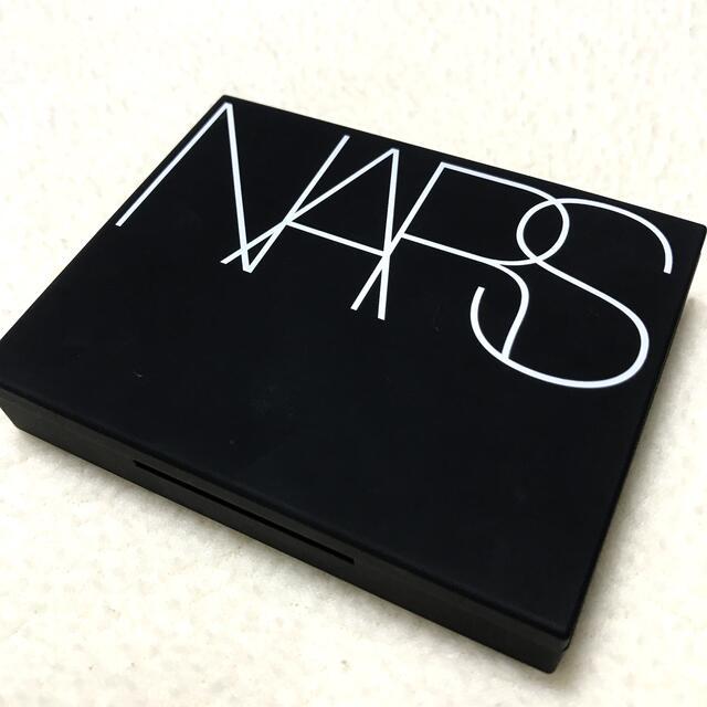 NARS(ナーズ)のNARS ナーズ セッティングパウダー プレストN コスメ/美容のベースメイク/化粧品(フェイスパウダー)の商品写真