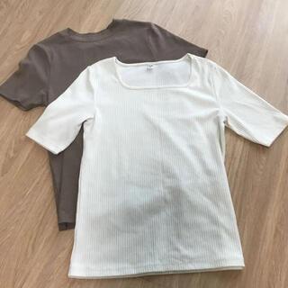 ユニクロ(UNIQLO)のユニクロ アースミュージックエコロジー Tシャツ カットソー(カットソー(半袖/袖なし))