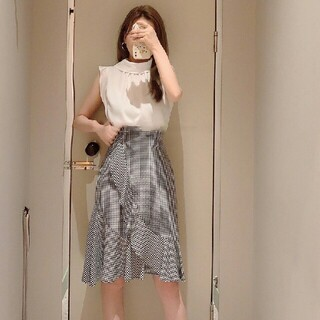 snidel - アシンメトリーフリルでモードに昇華したフレアミニスカート
