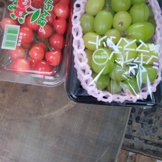 シャインマスカットとさくらんぼ 食品/飲料/酒の食品(フルーツ)の商品写真