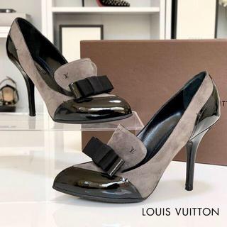 ルイヴィトン(LOUIS VUITTON)の2414 ヴィトン スエード パテント リボン パンプス ブラック グレー(ハイヒール/パンプス)