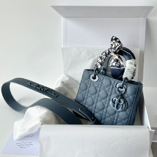 クリスチャンディオール(Christian Dior)の超美品 CHRISTIAN DIORトートバッグ(ブースター/導入液)