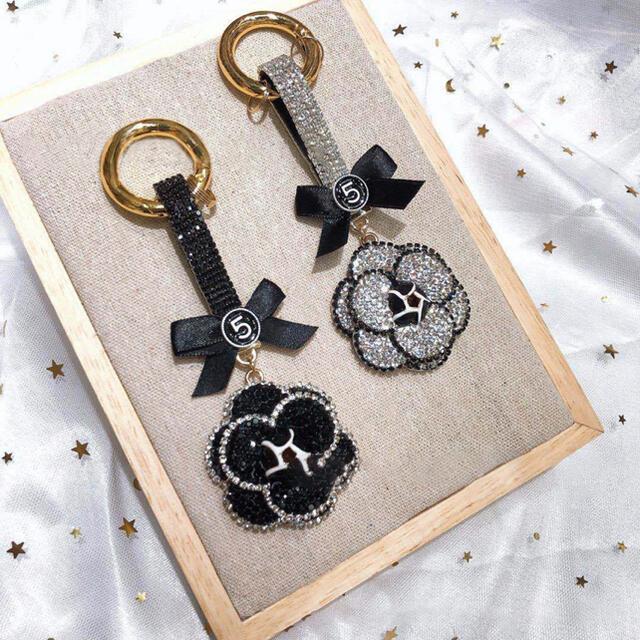 キーリング キーホルダー レザー 車 鍵 かわいい アクセサリー  レディースのファッション小物(キーホルダー)の商品写真